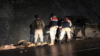 Van'da göçmenleri taşıyan minibüs şarampole yuvarlandı