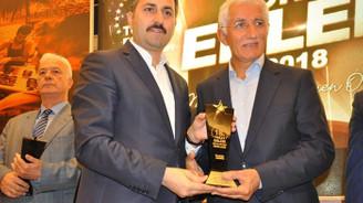 Mehmet Önder'e Başarılı İş İnsanı Ödülü