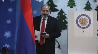Ermenistan'da oyların yüzde 70'ini Paşinyan aldı