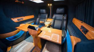 Dünya liderlerine VIP araç üretiyor
