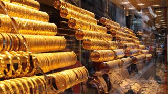 Gram altın fiyatı 215 lira seviyesinde