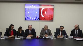 AB ile Suriyeli öğrenciler için 400 milyon euroluk iş birliği