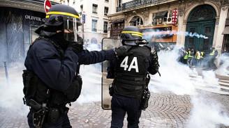 Fransa'dan biber gazı silahı siparişi