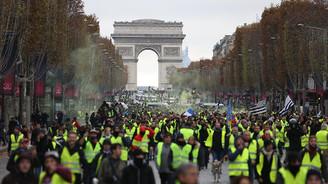Fransa'nın gündeminde OHAL yok