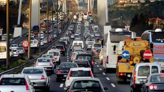 Trafikteki taşıt sayısı 600 bin arttı