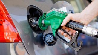 Benzinli otomobiller geri viteste