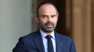 Fransa'da 6 ay ertelenen zamlar 2019 için iptal edildi