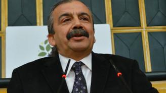 Sırrı Süreyya Önder teslim oldu