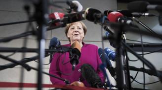 Merkel, partisine son kez hitap etti