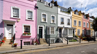 İngiltere'de konut fiyatları beklentinin üzerinde arttı