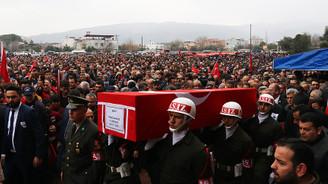 Afrin'de şehit olan askerler toprağa verildi