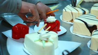 Sevgililer için 8 ülkeye 1 milyon kalpli pasta ihraç etti