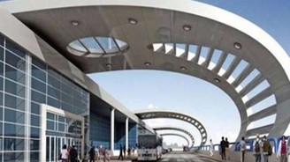 Çukurova Bölgesel Havalimanı'nda sıra üstyapıda