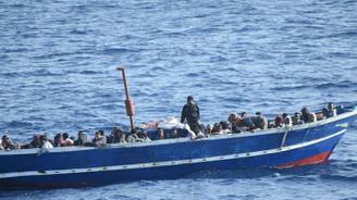 Akdeniz'de sığınmacı faciası: 90 ölü