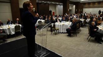 Akşener 'istişare yemeğinde' 300 siyasetçi ile bir araya geldi