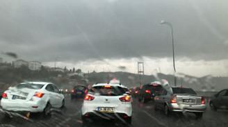 İstanbul'da sağanak yağış etkili
