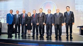 Cumhuriyet tarihinin dokuz eğitim bakanı aynı toplantıda!