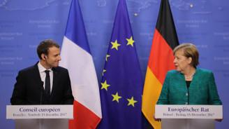Merkel ve Macron, Euro Bölgesi sunumunu erteledi