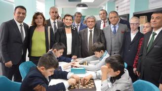 Görme engelli çocuklara  satranç sınıfları