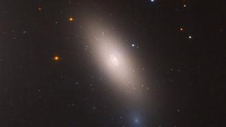 Hubble, kalıntı galaksiyi görüntüledi