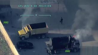 Teröristler Afrin merkezde araçları yakıyor