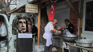 Stephen Hawking için İzmir'de lokma döküldü