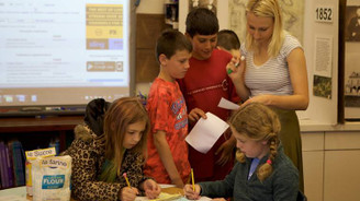 Fransa'da zorunlu eğitim yaşı 3'e iniyor
