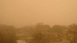 Mısır'da toz fırtınası 3 can aldı