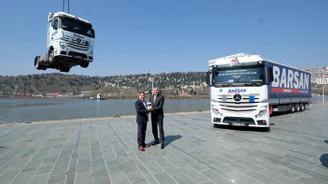 Mercedes-Benz Türk'ten Barsan'a tarihi teslimat