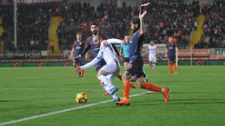 Alanyaspor Başakşehir'i farklı yendi: 4-1