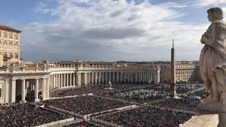 Vatikan'da Paskalya ayini