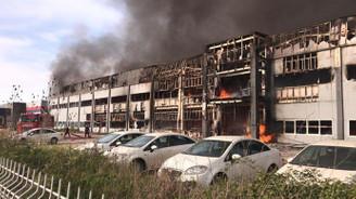 Sakarya'da mobilya fabrikasında yangın