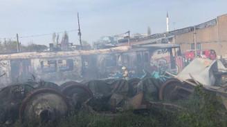 Haydarpaşa Garı'nda vagonlarda yangın çıktı