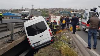 TEM'deki kazada vali ve kaymakamların eşleri yaralandı