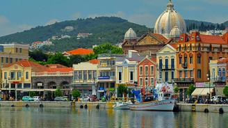 Midilli Adası dört gözle Türk turistleri bekliyor