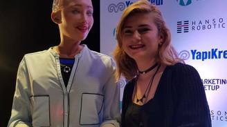 Robot Sophia, Türkiye'ye geldi, reklam yıldızı olacak