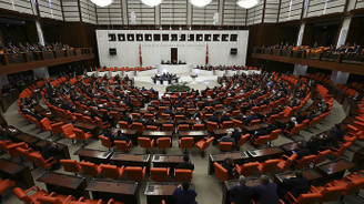 Anayasa değişiklik uyum paketi komisyondan geçti