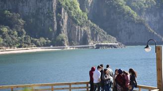 80 milyon yıllık lav sütunlarına ziyaretçi yoğunluğu