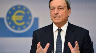 Draghi: Ekonomik büyüme ılımlı seyrediyor