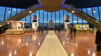 Nice'te havalimanı bomba şüphesiyle boşaltıldı