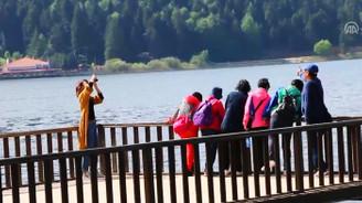 Abant'a yerli ve yabancı tatilci ilgisi