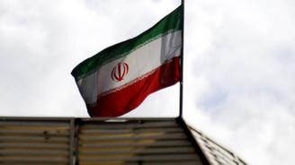 İran'da yerel halka hakaret eden akademisyene gözaltı