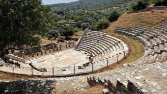 Metropolis ve Milet'te geçmişin peşinde…