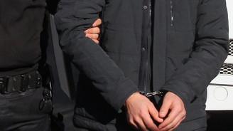 FETÖ'nün mahrem subaylarına operasyon