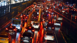 Trafiğe 4 ayda 332 bin yeni araç çıktı