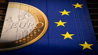 Euro Bölgesi'nde ekonomik faaliyet hız kesti