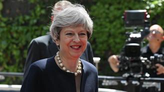 İngiltere'de iktidar, yerel seçimde beklenen kaybı yaşamadı