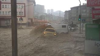 Ankara'da sel: 6 yaralı