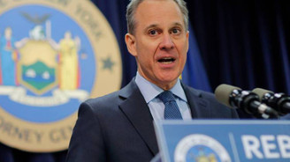 Taciz iddiası New York Başsavcısına istifa getirdi