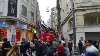 İstiklal Caddesi'nde restoran yangını